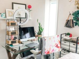 Michele Desk